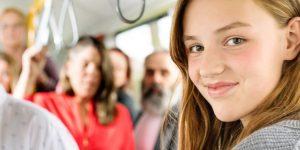 In den Hamburger Sommerferien gibt es wieder die 3-Wochen-HVV-Ferienfahrkarte für Kinder und Jugendliche im gesamten HVV-Gebiet