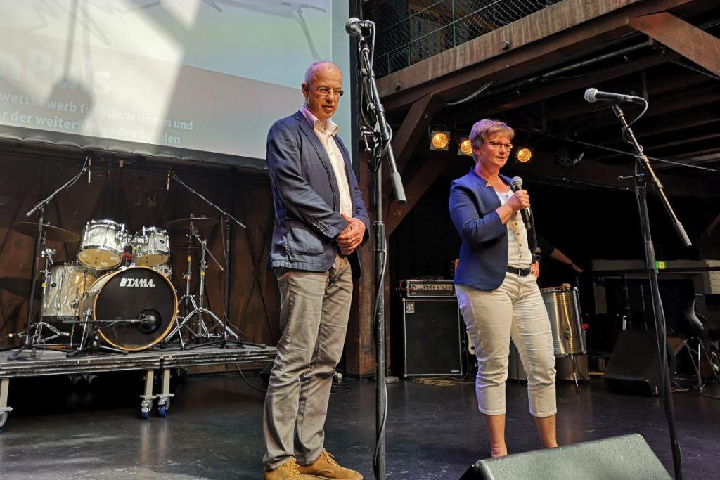 Susanne Rieschick-Dziabas von der VHH und HVV-Geschäftsführer Lutz Aigner eröffneten den Musikwettbewerb
