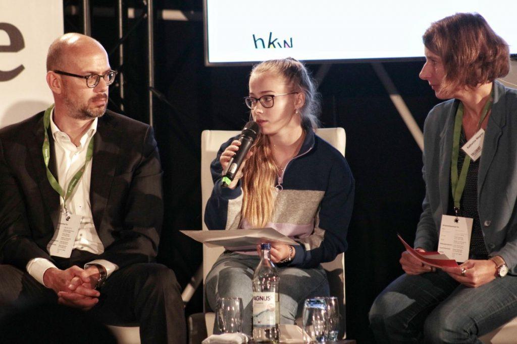 Am 26.09.2019 trafen sich 200 Schülerinnen und Schüler zur Jugend-Mobilitätskonferenz auf dem Hamburger Rathausmarkt