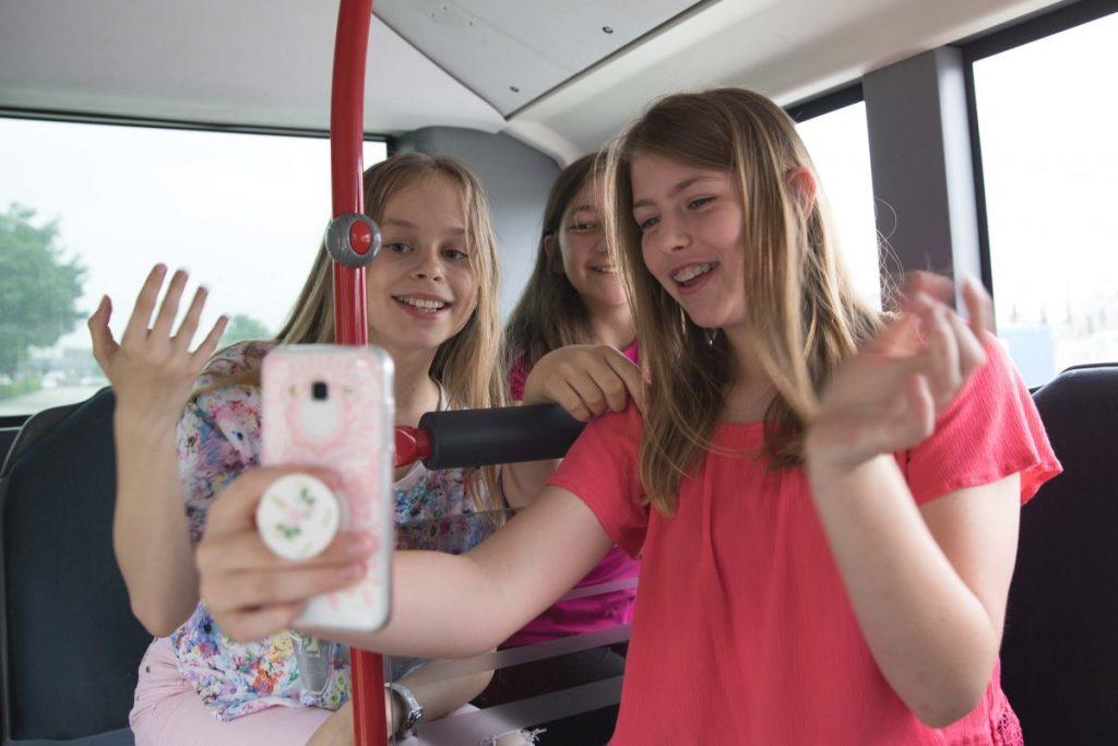 Für neue Schulmaterialien sowie Flyer und den Internet-Auftritt der HVV-Schulprojekte werden Kinder-Models in Hamburg gesucht.