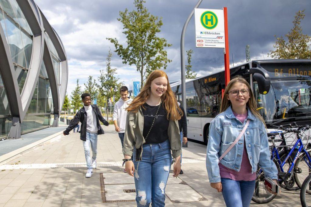 Mit dem Workshop für Schulen lernen Schülerinnen und Schüler alles über die Herausforderungen zukunftsfähiger Mobilität in der Metropole Hamburg.