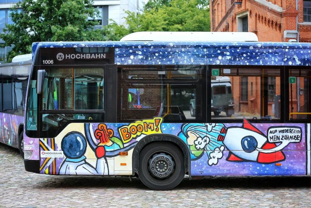 Ein Rückblick auf alle PaintBus-Wettbewerbe der letzten Jahre. Die Aktion der Schulprojekte im hvv findet alle 2 Jahre in Hamburg statt.