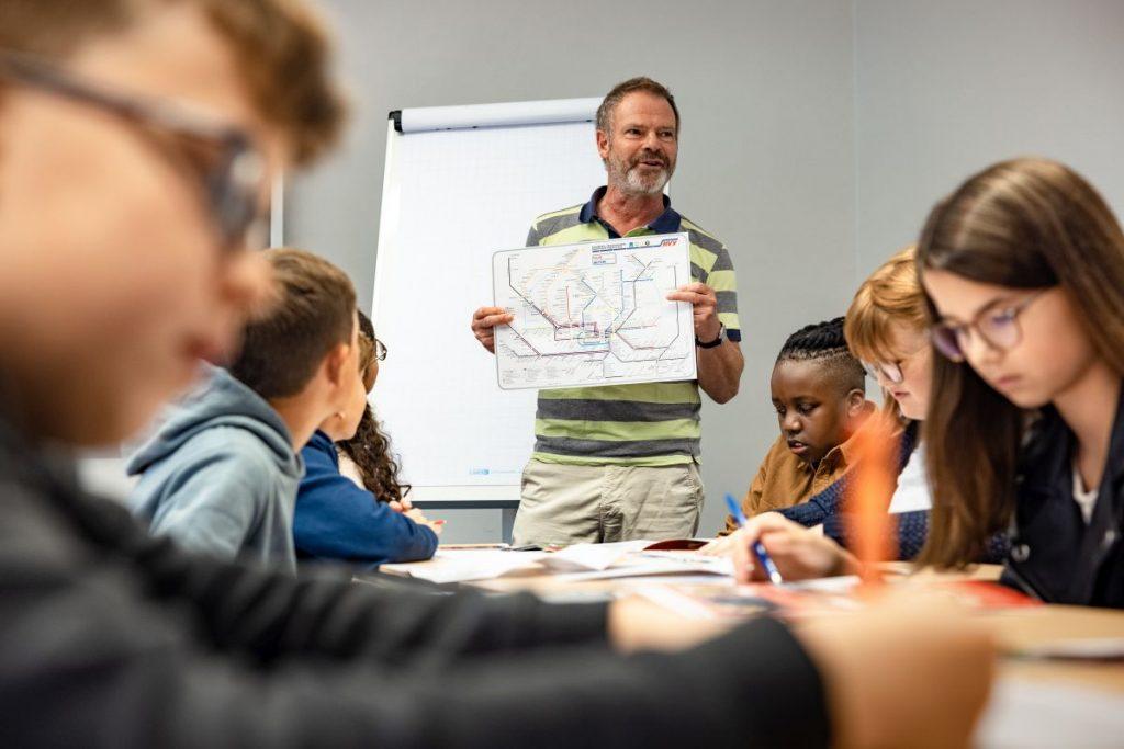 Kostenlose Lehrmaterialien und fachbezogene Projekte für Schulklassen der Stufe 1 bis 6 in der Metropolregion Hamburg